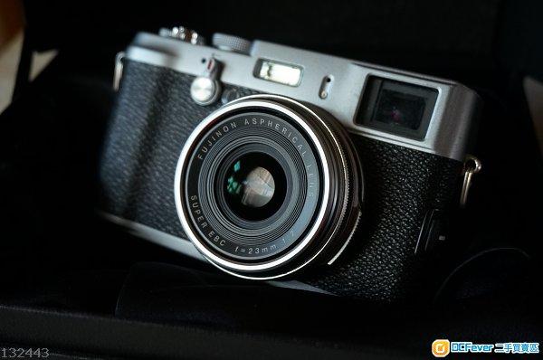 Fujifilm X100, 两電有盒