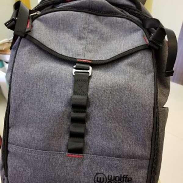 7b54fac511d91 Wolffepack swingable backpack (Capture) 26L 相機背囊灰色- DCFever.com