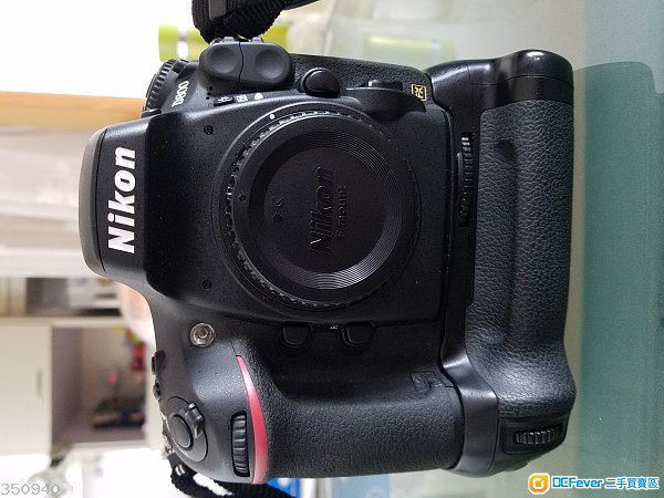 Nikon D800 連 副廠直倒