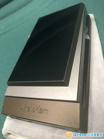 Ak320 連 amp  可散買 95% 新 有單有盒 少用 過保