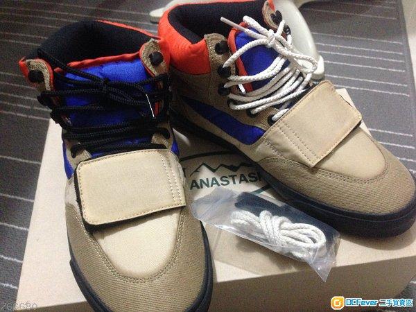 MANASTASH US9 $250