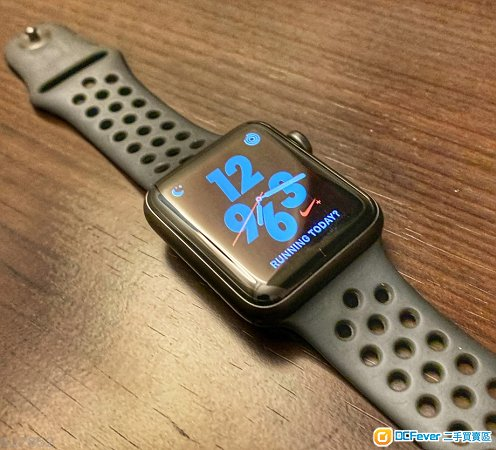 Apple Watch Series 3 Nike+ GPS 42mm  黑