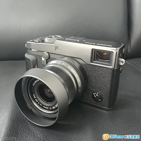 Fuji X-Pro 2 Graphite edition with 23/2 kit