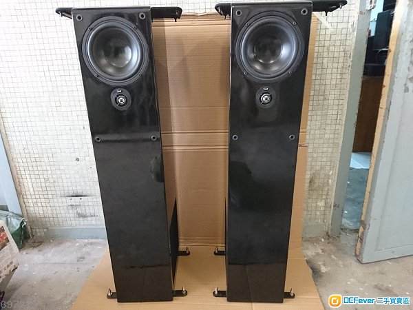 美國 聆聽者 NHT ST4 黑鋼琴面高級坐架喇叭