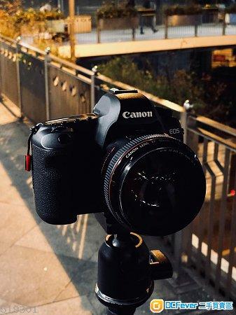 (95% new) Canon 5D2 + Canon BG-E6