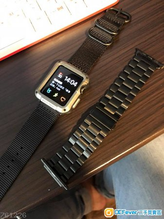 apple watch S1 黑 $800