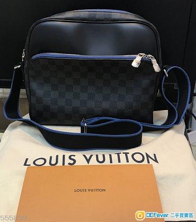 買左半年唔夠、極新、香港行貨有單 LV DAYTON PM 男裝斜揹袋  專門店正價 $11200