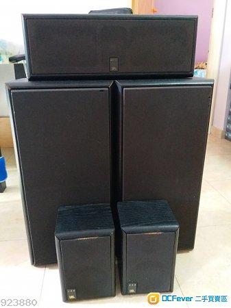 一套JBL center speakers (很舊的型號),共5個喇叭