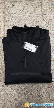 FRED PERRY HALF ZIP HOODED JACKET (BLACK, S SIZE) (100% NEW)
