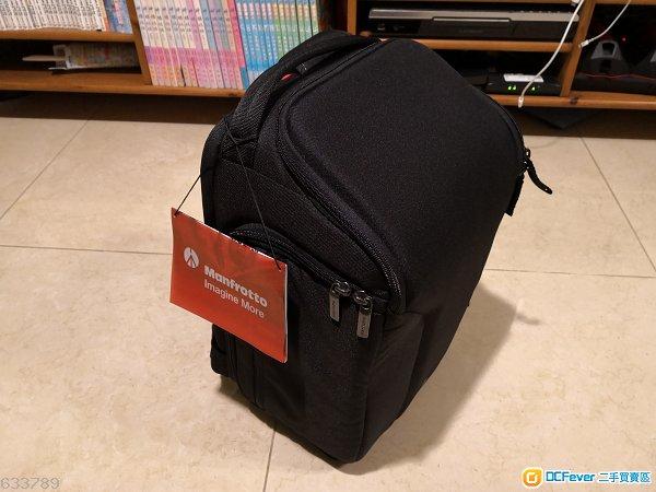 全新Manfrotto相機袋(可以袋一機四鏡加腳架)