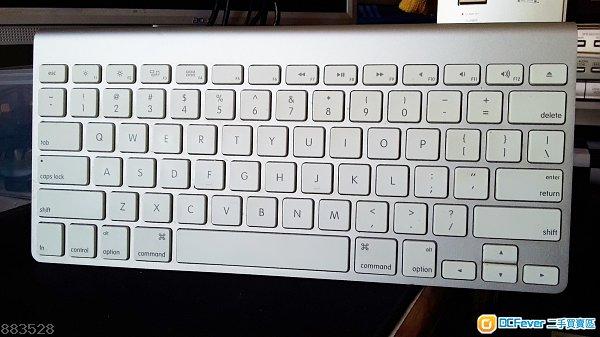 Apple Wireless Keyboard (A1314)