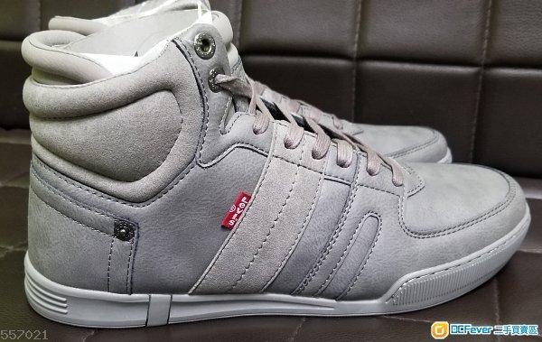 Levis size US9 鞋末剪標籤