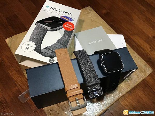 95% 新 Fitbit Versa 銀色