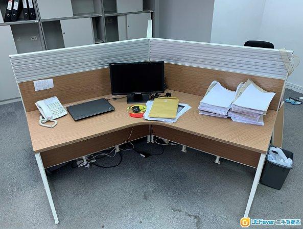 出售辦公枱,教學枱,會議枱,寫字枱,辦公椅, 座椅(九龍灣取, 快者及全數買可傾價)
