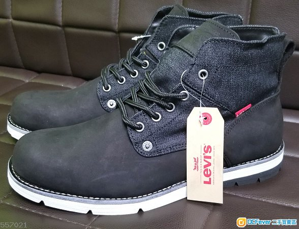 Levi's shoes 末剪標籤