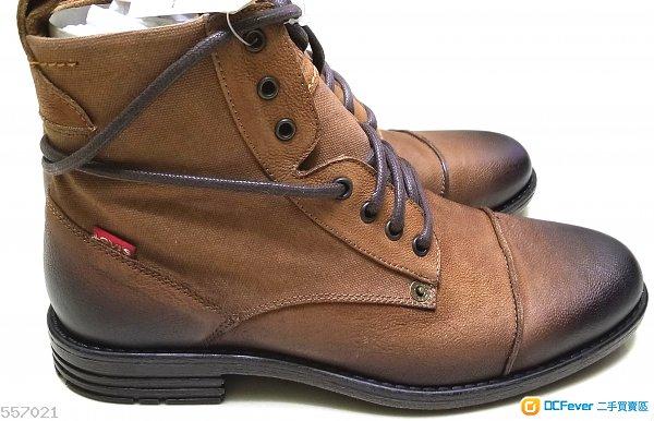 Levi 啡色靴末剪標籤