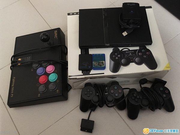 PS2 主機連一堆遊戲碟